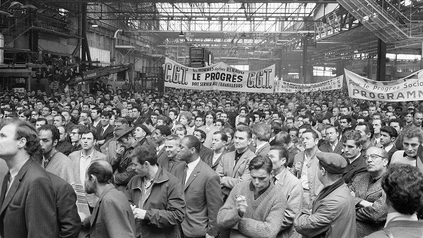 Les ouvriers de l'usine Renault de Billancourt en grève, en mai 1968.