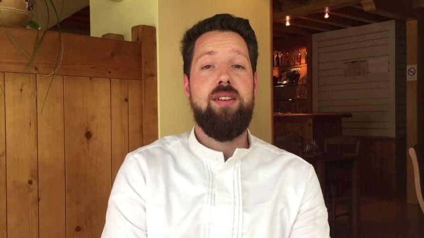 Aurélien Vidal est chef cuisinier à Saint-Julien-Chapteuil en Haute-Loire.