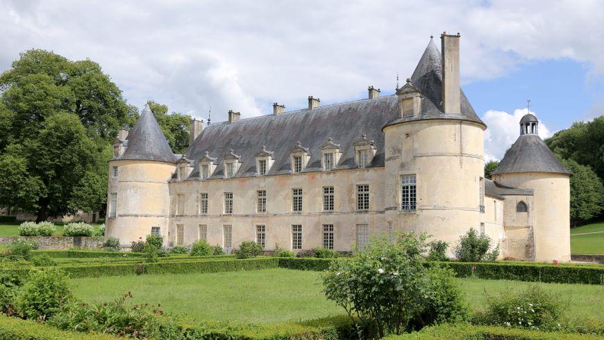 Le Château de Bussy-Rabutin (Côte-d'Or) fait partie des 18 monuments retenus pour être restaurés en priorité.