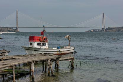 Le Pont Yavuz Selim Bridge à Istanbul