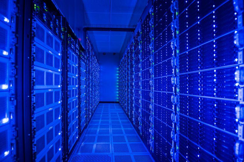 Des ordinateurs allumé dans un data center