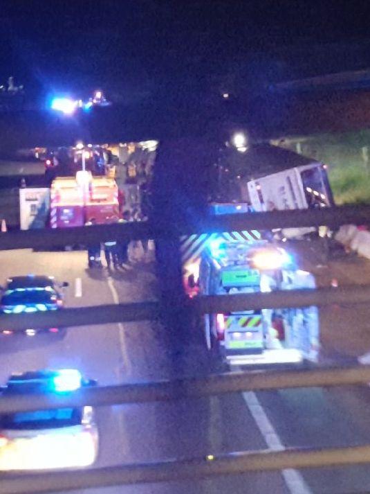 L'accident s'est produit juste après un pont surplombant l'A7
