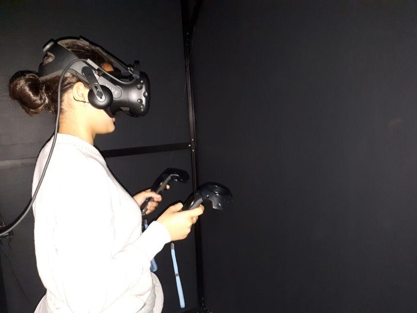 Le casque de réalité virtuelle vous permet de jouer à l'astronaute... et même un peu plus puisque l'homme n'a encore jamais posé le pied sur Mars.