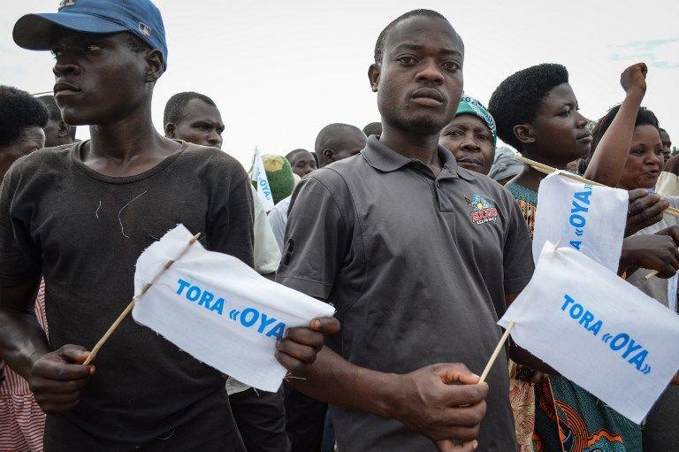 """Ce groupe d'opposants burundais fait campagne pour le NON (""""Oya"""") au référendum constitutionnel mis en place par le président Pierre Nkurunziza, arrivé au pouvoir en 2005"""