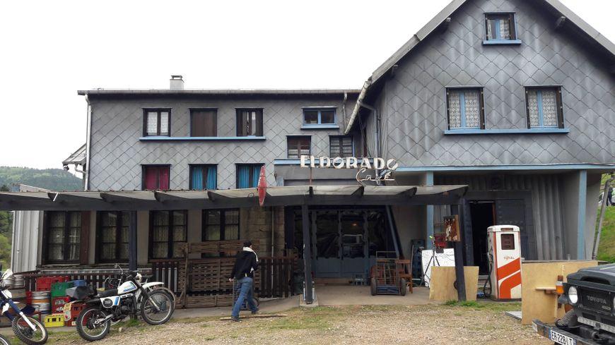 """L'Eldorado-café, l'un des lieux de tournage de la saison 2 de la série """"Zone Blanche"""""""