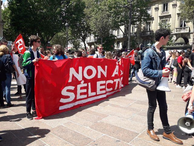Mobilisations des lycéens contre la sélection à l'université.