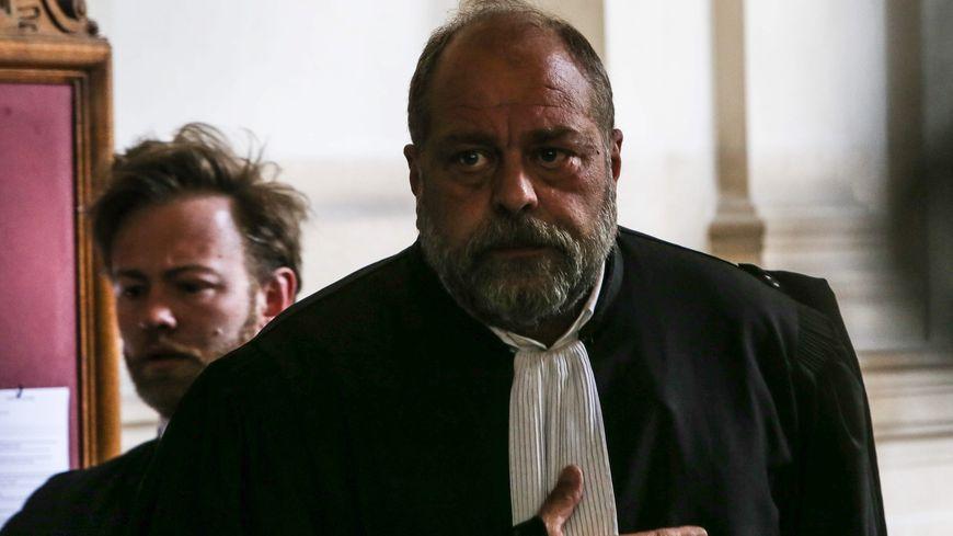 L'attachée de presse d'Eric Dupond-Moretti annonce qu'il s'est fait voler sa mallette avant le festival Des livres et des stars à Marseille.
