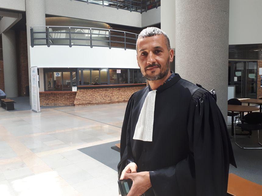 Maître Tewfik Bouzenoune, avocat de la défense
