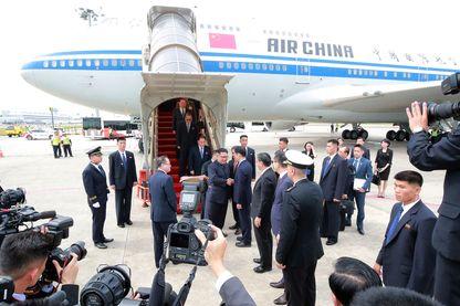 Kim Jong Un à son arrivée à Singapour à bord d'un appareil Air China