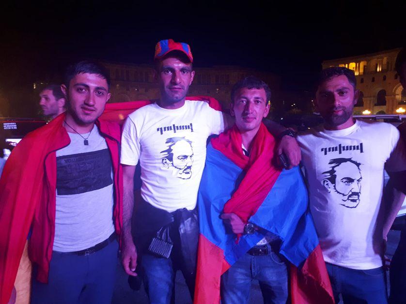 Ces jeunes Arméniens s'étaient exilés en Russie. Ils sont revenus pour la révolution et comptent bien rester désormais dans leur pays