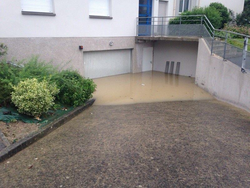 Ce sont surtout des garages souterrains et des caves qui ont été inondées à Liffré