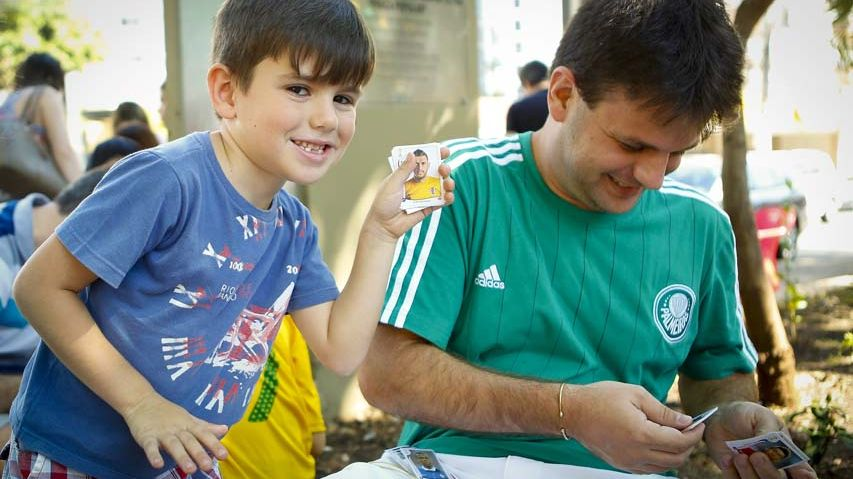 Des collectionneurs de stickers Panini