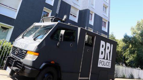 La police judiciaire, la BRI et le Raid de Lille ont mené une vaste opération dans un carrefour de la drogue à Lille Sud ce mardi