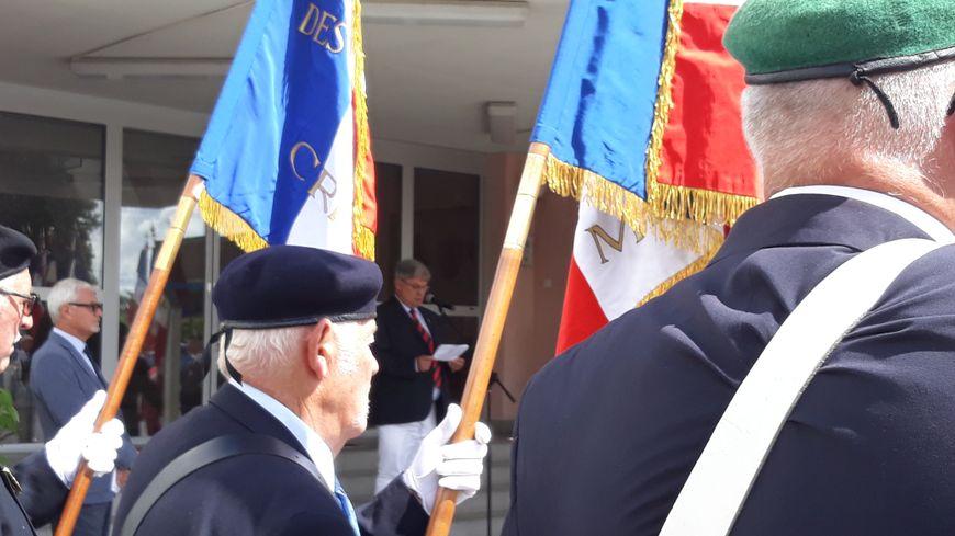 La cérémonie a eu lieu dans la cour d'honneur de la gendarmerie de Guérét