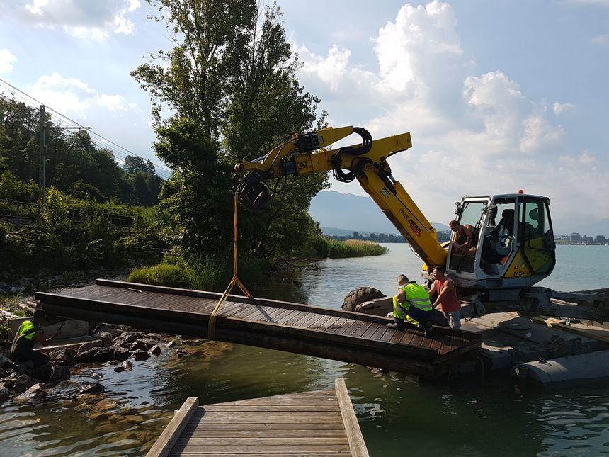 Les travaux ont duré plusieurs semaines pour remettre les pontons en état
