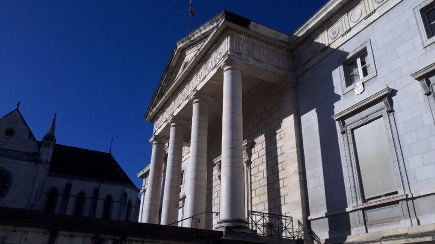 Le palais de justice de Pau