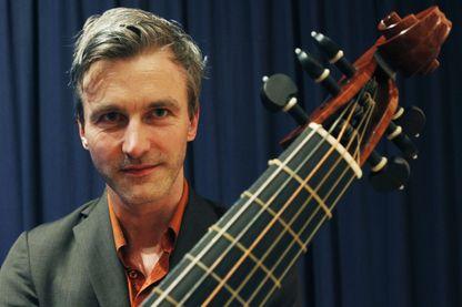 Vincent Dumestre, luthiste, guitariste, chef d'orchestre et directeur artistique du festival de musique baroque du Jura.