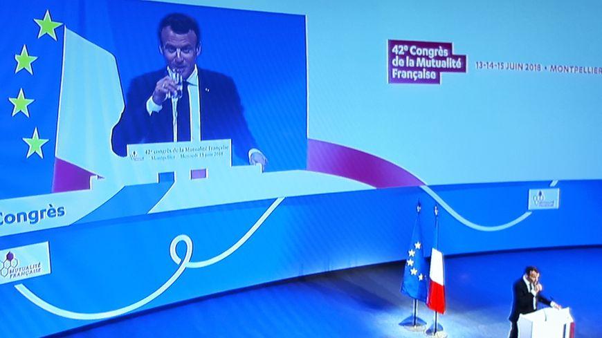 Emmanuel Macron, sur la scène du grand auditorium Berlioz à Montpellier.