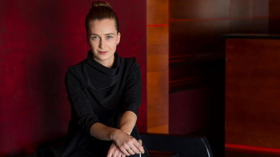 Elena Schwarz, chef assistante de l'Orchestre Philharmonique