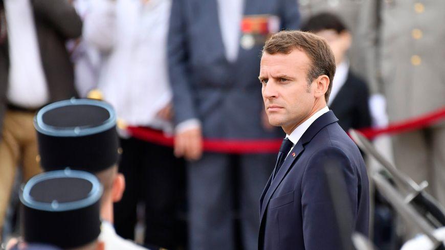 Le président Macron au mont Valérien.