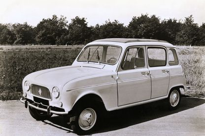 Photo d'une Renault 4L en 1962