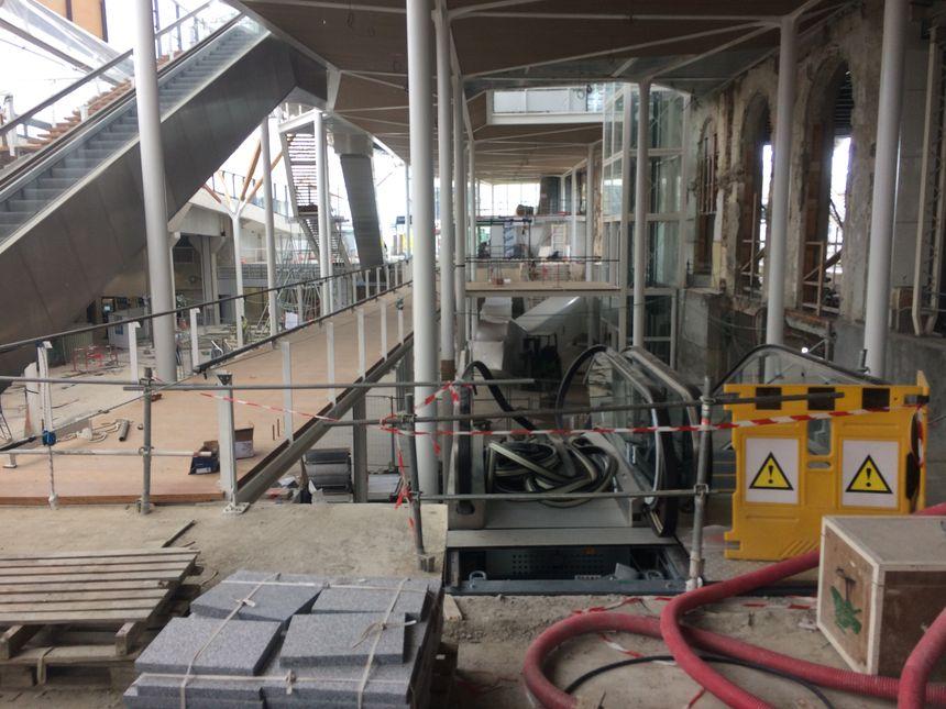 Les voyageurs profiteront bientôt de cette passerelle pour passer de la gare SNCF à la gare routière.