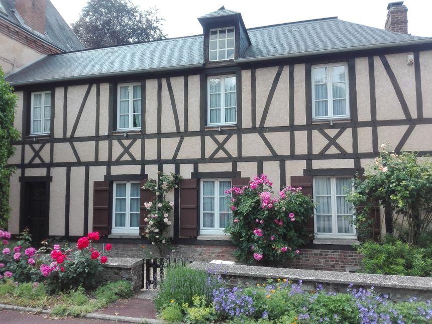 Les particuliers ne sont pas en reste pour fleurir les façades de leur maison