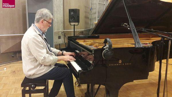Tapage nocturne reçoit Michka Assayas et le pianiste Jean-Michel Bernard