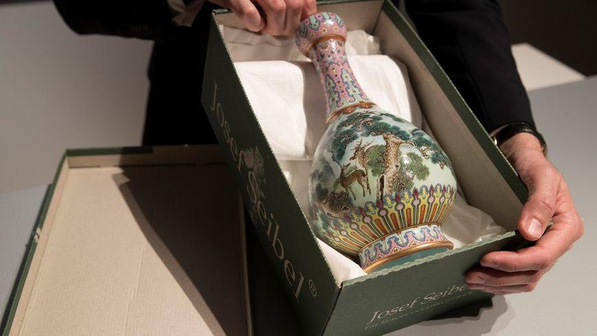 Chinois Dans 2 Grenier Oublié Millions Vase Vendu Un D'euros 16 wvIxCq