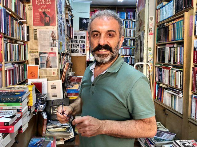 Kemal Koçak, petit libraire de la place Taksim à Istanbul