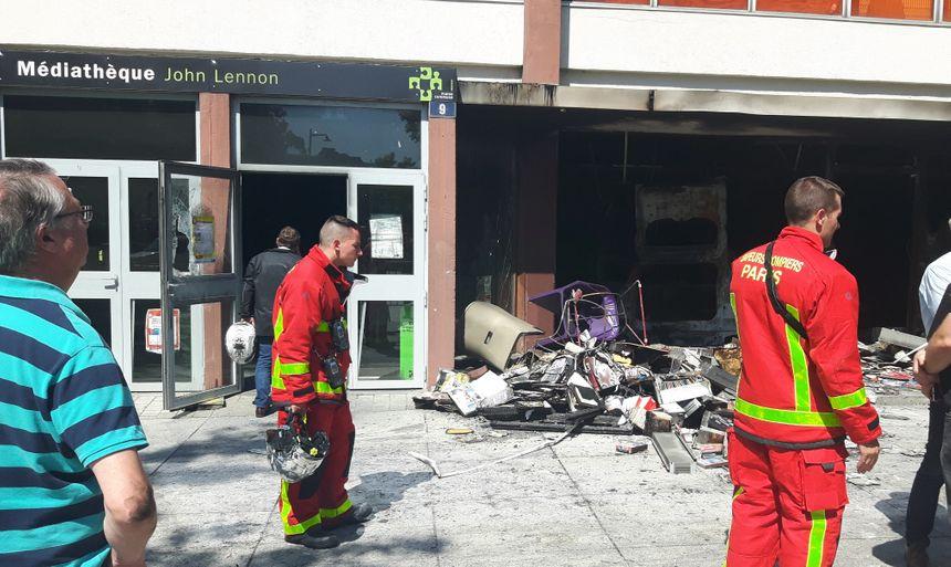 Des pompiers étaient encore présents ce mercredi matin