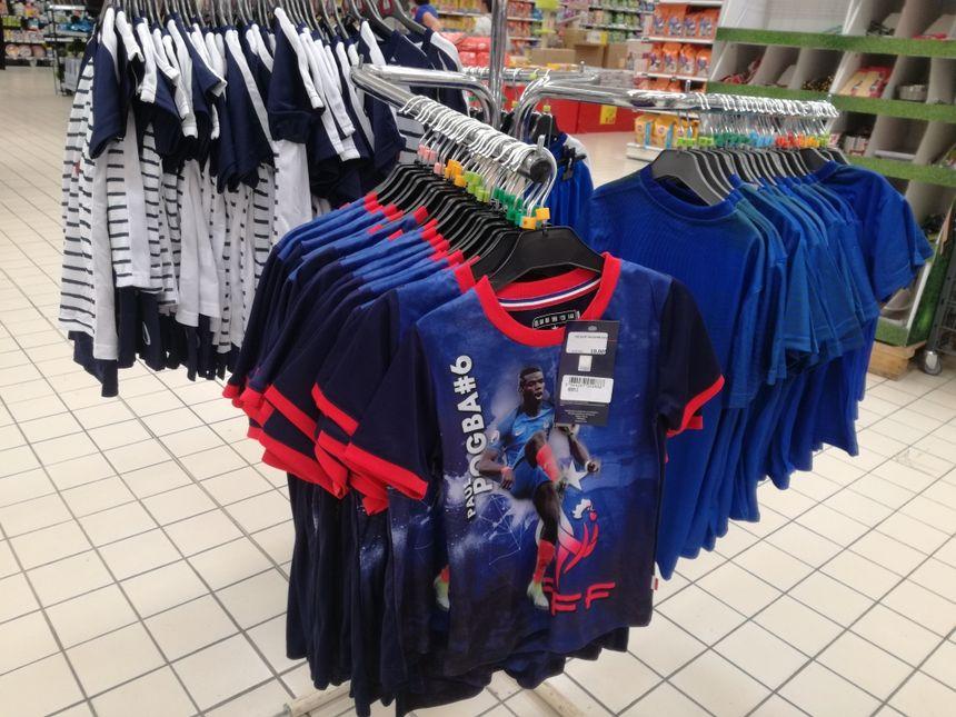 Les grandes surfaces du Nord Franche-Comté se mettent aux couleurs de l'Equipe de France