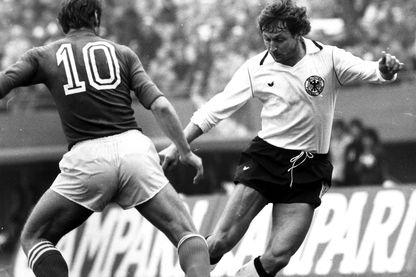 Heinz Flohe et Romeo Benetti pendant le match Italie - Allemagne le 14 juin 1978 en Argentine
