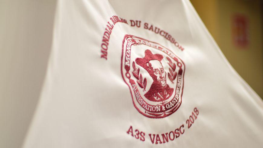 Tablier collector du Mondial Rabelais du Saucisson.