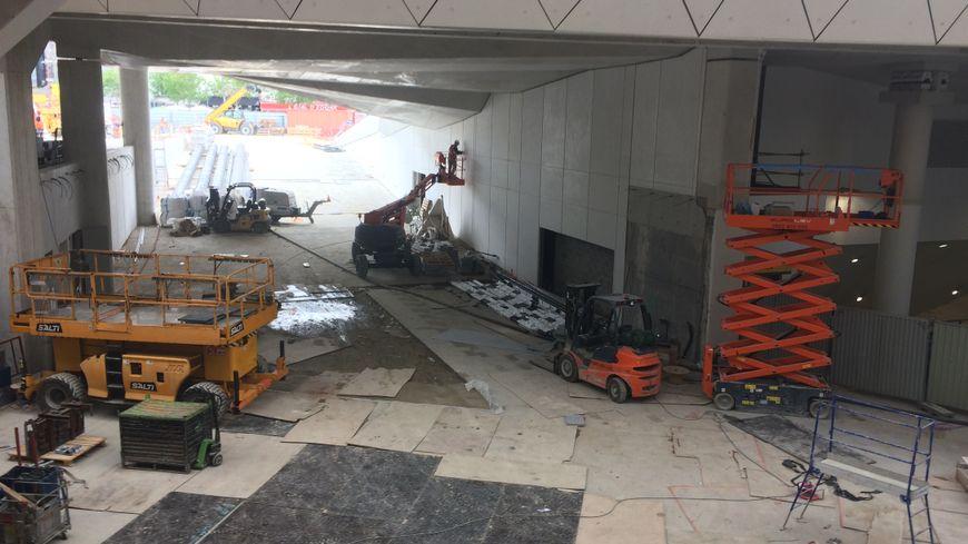 La nouvelle entrée principale de la gare de Rennes, vue de l'intérieur