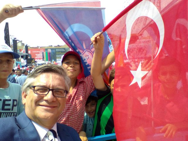 Cem Sahir Islam, ancien manager de Turkish Airlines, supporter de l'AKP