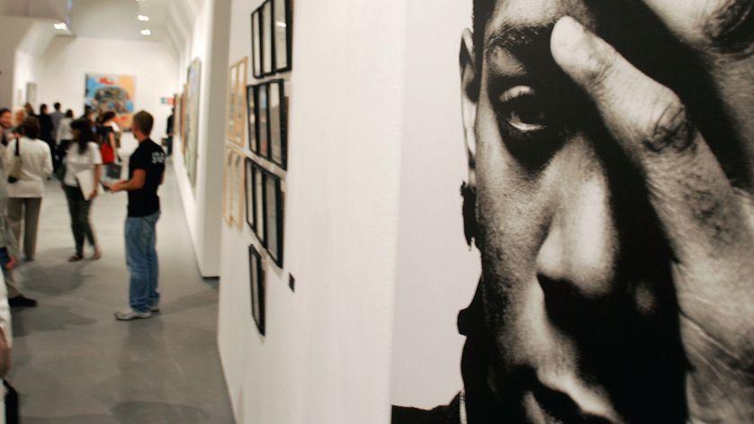 """Portrait de Jean-Michel Basquiat présenté à la rétrospective qui lui était consacrée  """"The Jean-Michel Basquiat Show"""" à Milan en 2006."""
