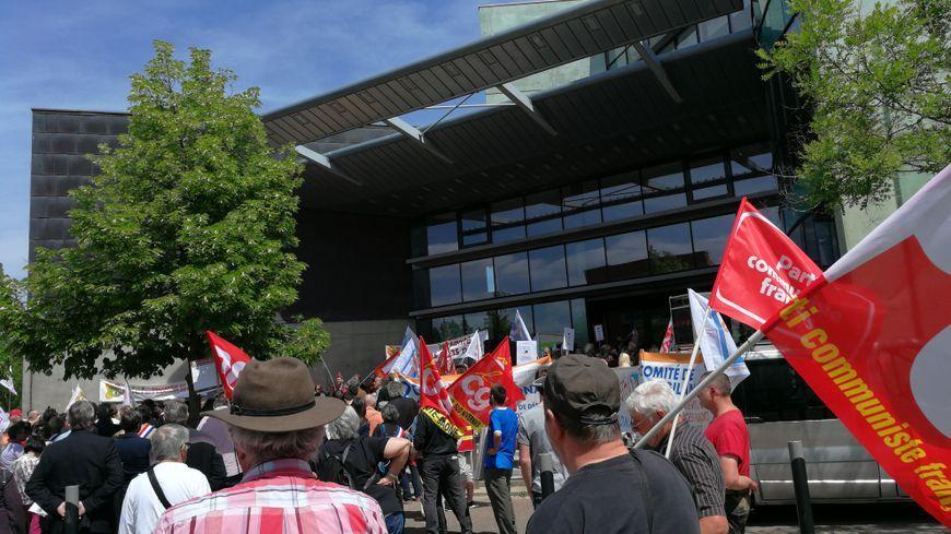 Une manifestation devant l'ARS au mois de mai