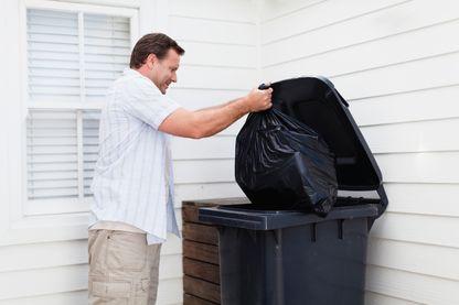Charles Amico en avait marre des sacs poubelles