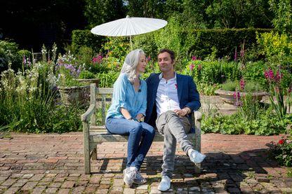"""Dans ce nouvel épisode de """"21 cm"""", Augustin Trapenard et la romancière Tatiana de Rosnay visitent la maison de Virgina Woolf, en Angleterre."""