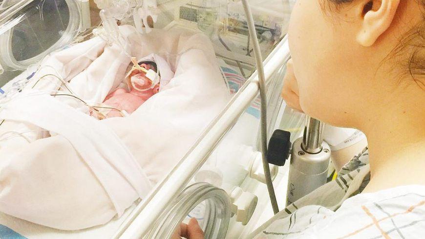 Un bébé prématuré ne peut se nourrir que de lait maternel, d'où l'importance des dons