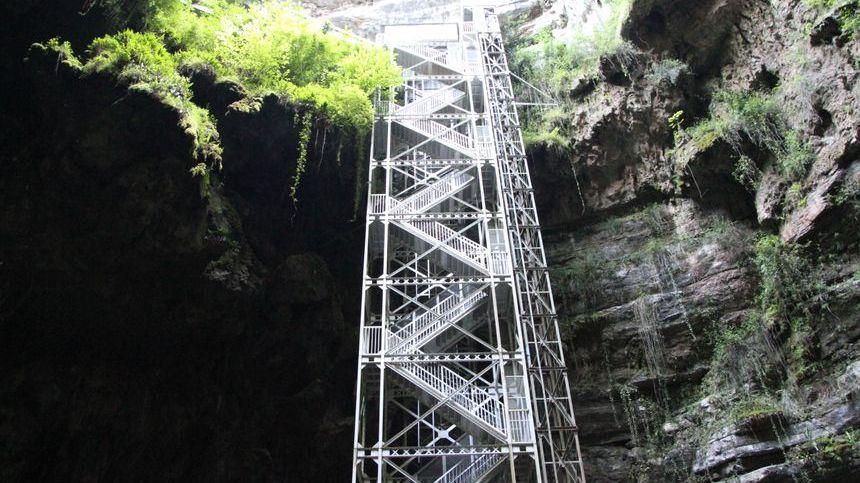 Le gouffre de Padirac est l'un des sites touristiques les plus fréquentés du Lot, ses gérants privés cherchent un moyen d'accroître le nombre de visites.