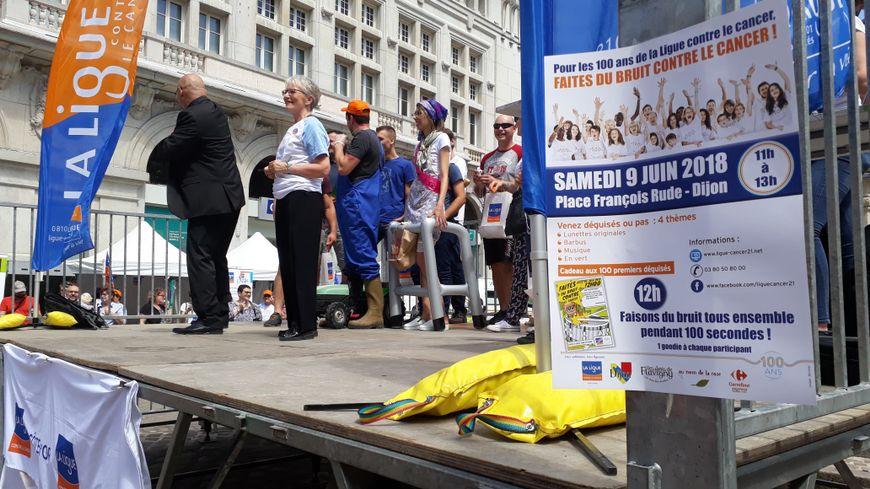 Place François Rude ce samedi à Dijon, la Ligue contre le Cancer appelait à faire du bruit pour lutter contre le cancer