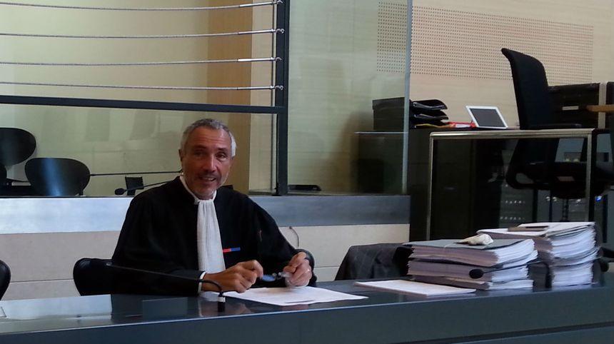 Procès du violeur des balcons. Maître Gontard avocat de la défense.