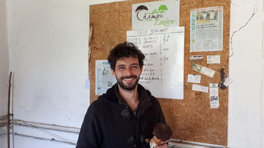 Loic Robert est le patron de Champi Lozère. Depuis le début du mois de juin  il recole des dizaines de kilos cèpes