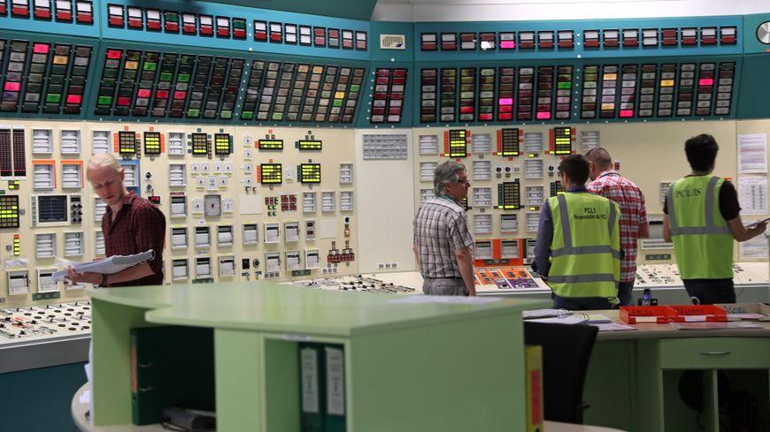 Les agents d'EDF dans le simulateur de réacteur de la centrale