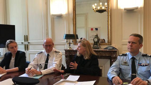 De gauche à droite : La Directrice de Cabinet de la Préfète, le Directeur de la Sécurité Publique, la Préfète d'Indre-et-Loire et le Commandant du Groupement de Gendarmerie