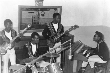 """The Upsetters, collectif de musiciens de Lee """"Scratch"""" Perry de 1969 à 1979, à la fin des années 1960."""