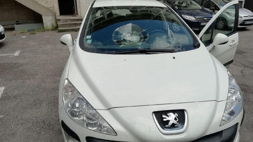 Le véhicule de la police nationale alésienne vandalisé