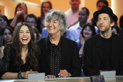 Izia, Jacques Higelin et Arthur H sur le plateau du Grand Journal de Canal + - 2010